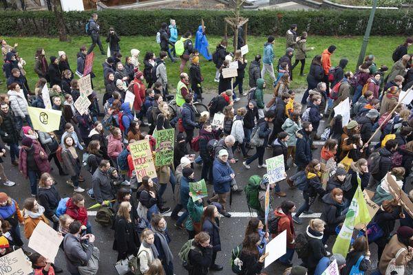 06/03/2020 - Belgique - Une marche pour le climat à Bruxelles à l'appel de différentes associations et groupes.