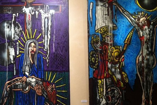 Deux des tableaux du chemin de croix issu de la rencontre entre Robert Combas et Ladislas Kijno