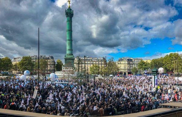 L'intersyndicale annonce 27.000 policiers rassemblés Place de la Bastille