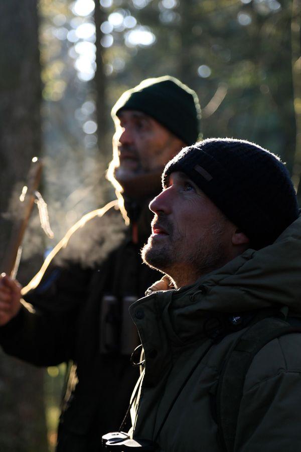 C'est au côté de son père Michel que Vincent Munier, naturaliste, a appris à observer et décrypter la forêt et ses habitants.