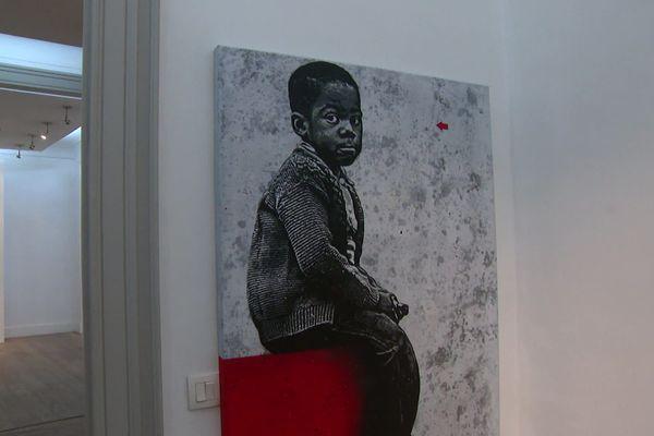 Le travail de Jef Aérosol exposé à la galerie DX à Bordeaux.