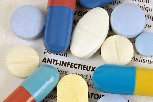 Un médecin de l'Ain pourrait être radié pour avoir promu et prescrit des anti-infectieux en vue de guérir des enfants autistes. Le Le Dr Philippe Raymond a fait appel de cette sanction infligée par l'Ordre des médecins.