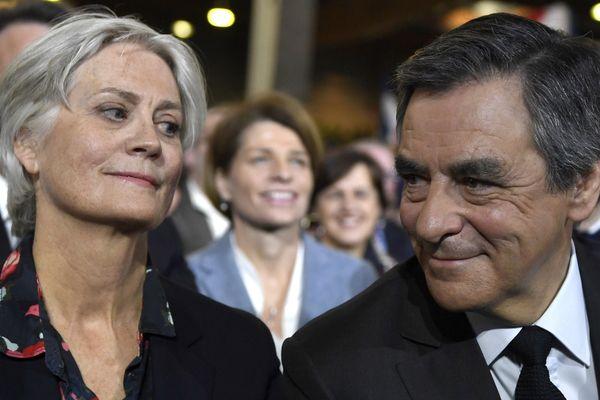 Pénélope Fillon est au coeur de l'affaire des emplois fictifs. Elle est soupçonnée d'avoir été rémunérée comme assistante parlementaire sans en avoir exercé les fonctions.