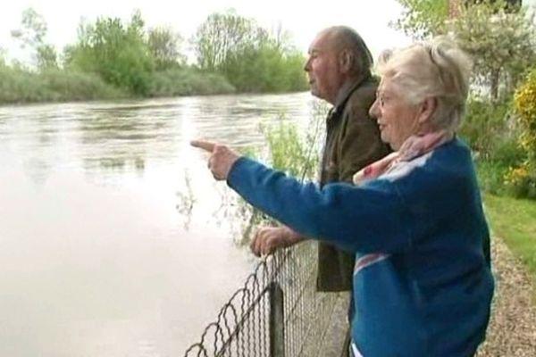 Un couple de retraité vivant au bord de la Seine à Courceroy (10)