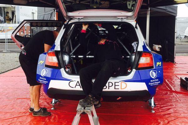 WRC - Tour de Corse 2017, préparation des voitures sur le parc fermé de Lucciana (Haute-Corse)