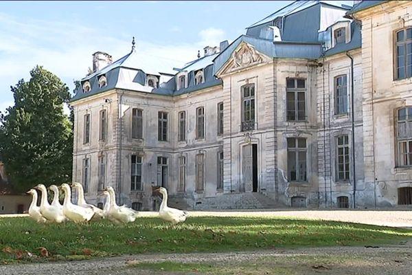 Le Château de Vauxà Fouchères (Aube)