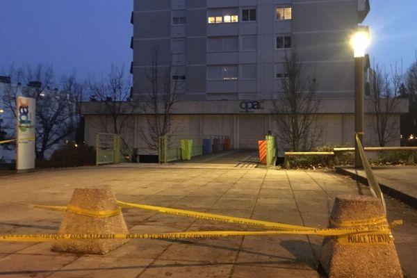 Une adolescente a été blessée par une balle perdue, sur fond de trafic de drogue, dans le quartier du Tennis, au Creusot, en Saône-et-Loire mardi 19 février 2019.