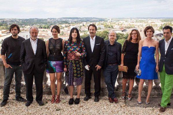 Angoulême : Jean-Hugues Anglade entouré des membres du jury du Festival du Film Francophone.