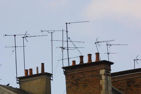 L'antenne râteau permet de recevoir la TNT terrestre