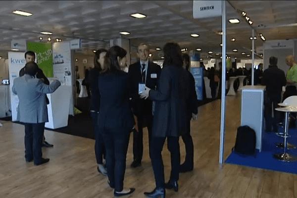 Professionnels du numérique et jeunes entrepreneurs ont pu découvrir de nombreuses innovations technologiques lors de l'IoT Planet de Grenoble.