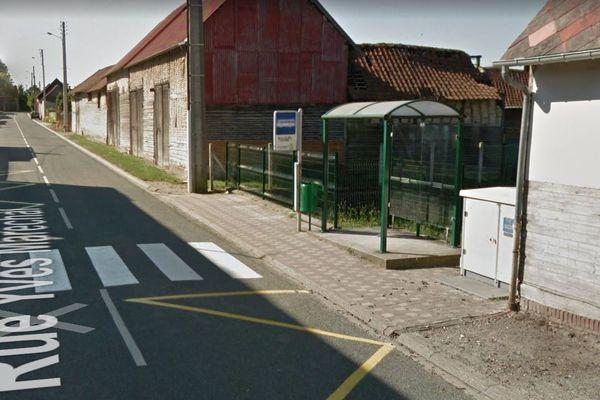C'est en ce rendant à cet arrêt de bus pour le c ar scolaire qu'une collégienne de Bacouël dans l'Oise aurait été suivie par deux individus.