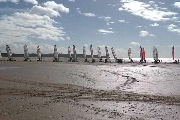 Charente Maritime Le Vent Au Rendez Vous Pour Le Grand Prix De Char A Voile De Saint Georges