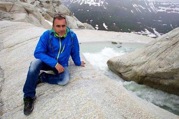 Laurent Guillaume sur le glacier du Rhône