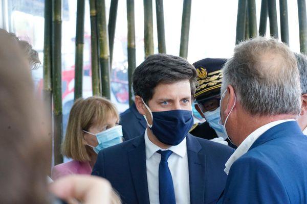 Échanges avec le ministre de l'Agriculture, lors de l'ouverture de la 75e Foire de Châlons.