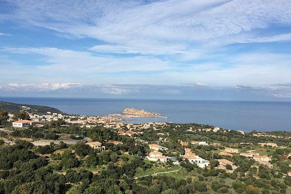 ILLUSTRATION - L'Ile Rousse, perle de la Balagne (Haute-Corse)
