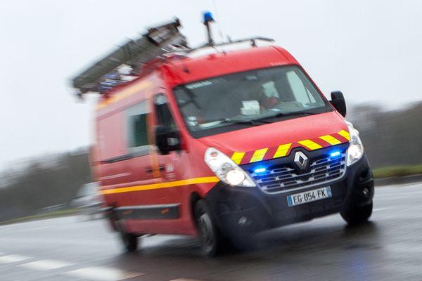 Une trentaine de pompiers encore mobilisés sur place après l'accident.