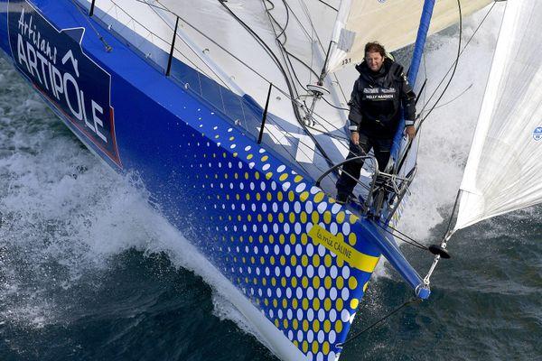 Arnaud Boissières à bord de son bateau du Vendée Globe - illustration -