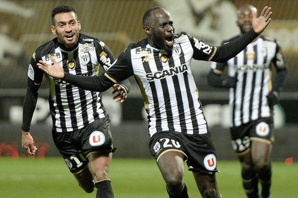 la joie de Sada Thioub sur le but lors de la rencontre entre Angers SCO et OGC Nice du 11 janvier 2020