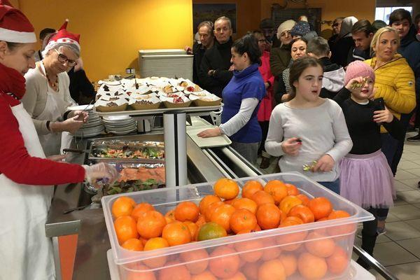 160 plateau repas ont été servis en ce jour de Noël à la Cantine savoyarde.