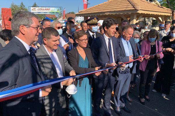 Le ministre de l'Agriculture coupe le ruban et ouvre officiellement la Foire de Châlons.