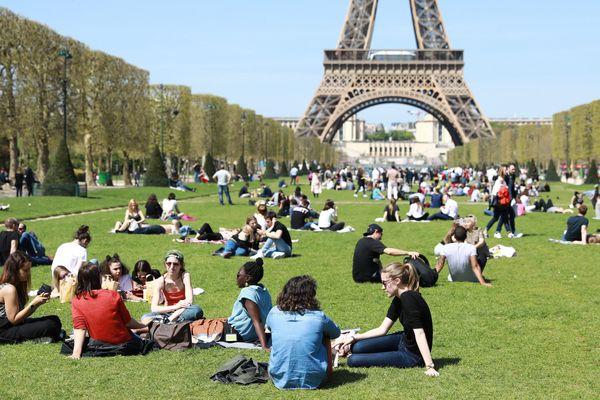 Le Champ-de-Mars, à Paris.