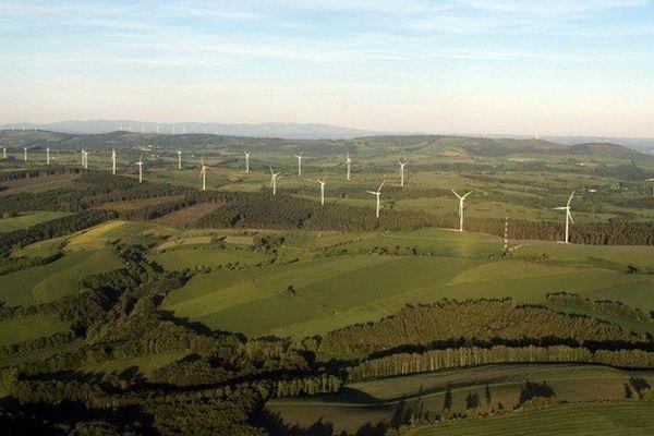 Le plus grand parc éolien de France à Salles-Curan