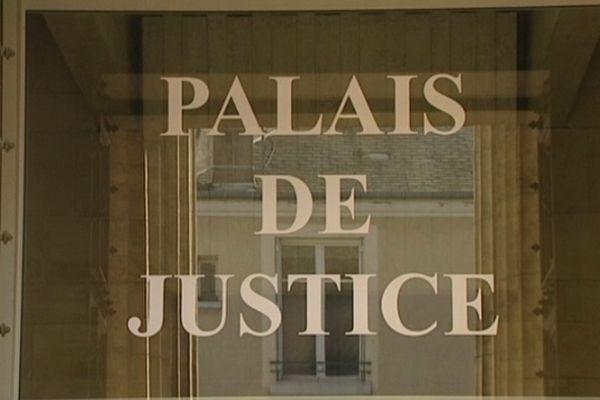 Le tribunal de Montargis condamne un homme à trois ans de prison ferme pour abus de confiance sur personnes sous tutelle et curatelle