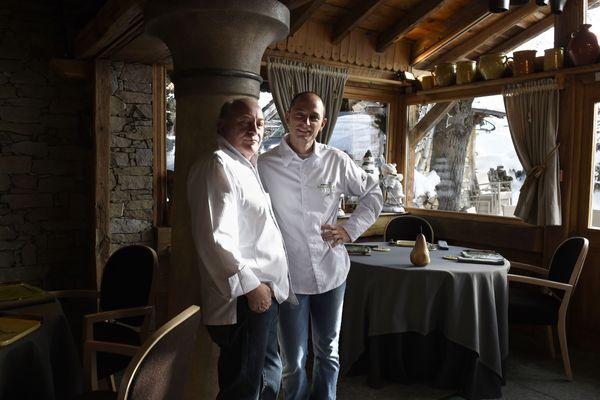 Le chef de l'hôtel-restaurant La Bouite, René Meilleur, et son fils Maxime.