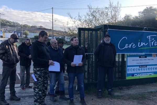 Une vingtaine de militants de Core in Fronte a débloqué l'accès au site, ce mercredi matin.