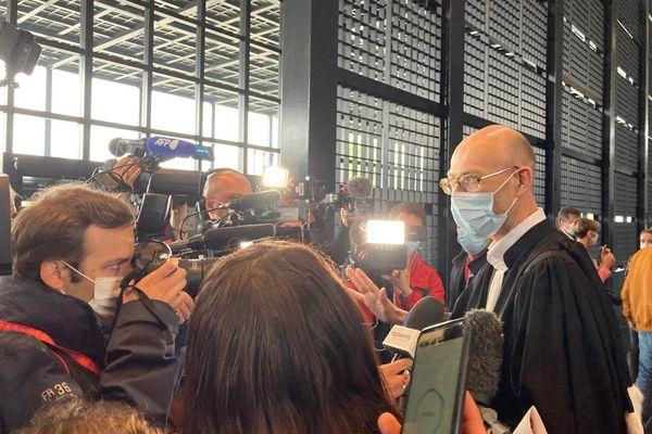 Maître Pacheu, l'avocat des tantes de Pascal Troadec répond à la presse