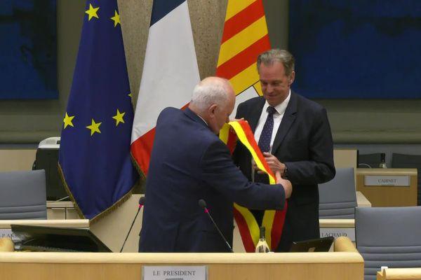 Renaud Muselier reporte l'écharpe de président du conseil régional ce 2 juillet.
