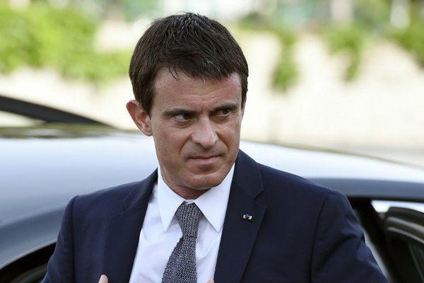 Manuel Valls se rendra dimanche à Cannes .