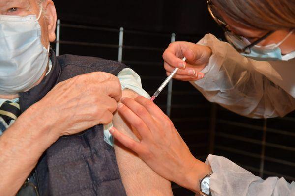 La deuxième injection va être généralisée dans les Ehpad de la Marne la semaine prochaine.