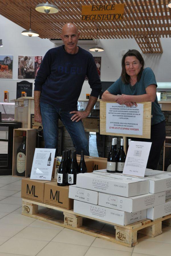 Philippe Maury, président de la cave coopérative à Laurens, au bord de Béziers dans l'Hérault et Nathalie Caumette, présidente de l'appellation Faugères.