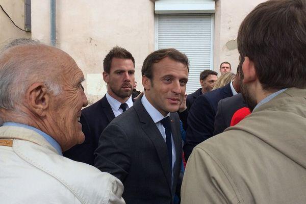Emmanuel Macron a été interpellé dans la rue à son arrivée à Toulouse