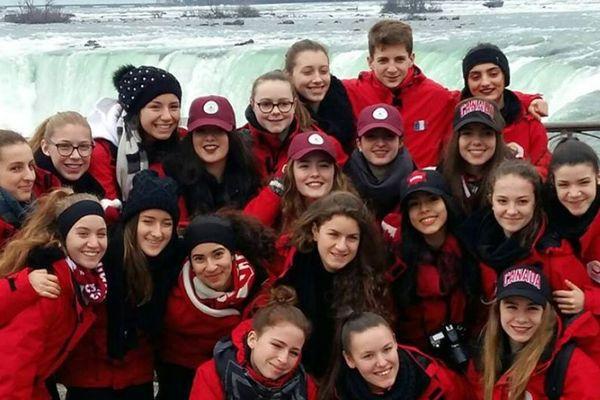 L'équipe a fait une pause rafraichissante aux chutes du Niagara