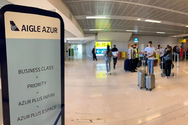 Aucune information n'est disponible pour les passagers au guichet de la compagnie Aigle Azur à l'aéroport Toulouse-Blagnac.