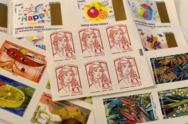 Chaque année, environ mille demandes de nouveaux timbres sont enregistrées : seule une cinquantaine aboutira.