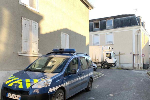 La gendarmerie travaille sur les lieux de l'incendie. Photo, Paul-Antoine Boudet