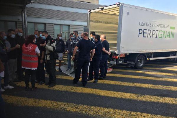 Les livreurs du centre hospitalier de Perpignan réclament une prime COVID pour tout le monde