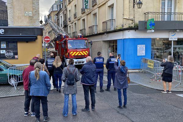 Intervention des pompiers de Dieppe le mardi 19 octobre 2021 pour tenter de retrouver un chat dans un immeuble qui risque de s'effondrer