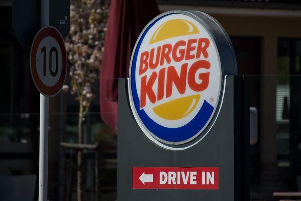 L'enseigne de fast-food veut ouvrir un restaurant dans la ville symbole du combat contre la malbouffe.
