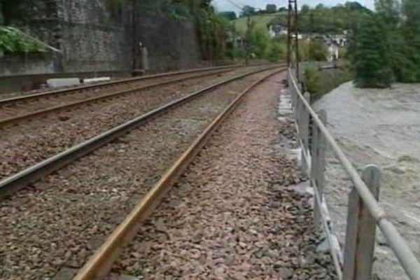 La circulation des trains est interrompue entre Tarbes et Pau.