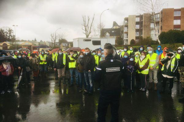 Les gendarmes ont organisé une battue, avec des volontaires pour tenter de retrouver une femme portée disparue à Montfort-sur-Meu