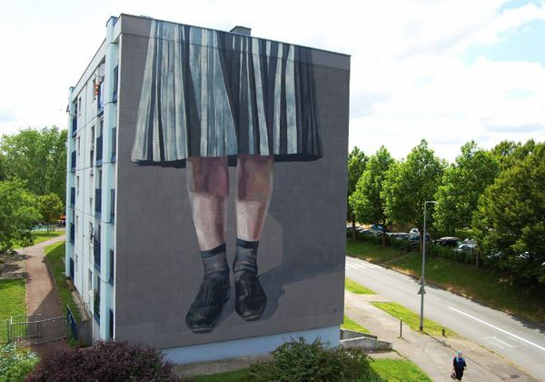 Occuper des espaces, peinture de Hyuro, 2019.