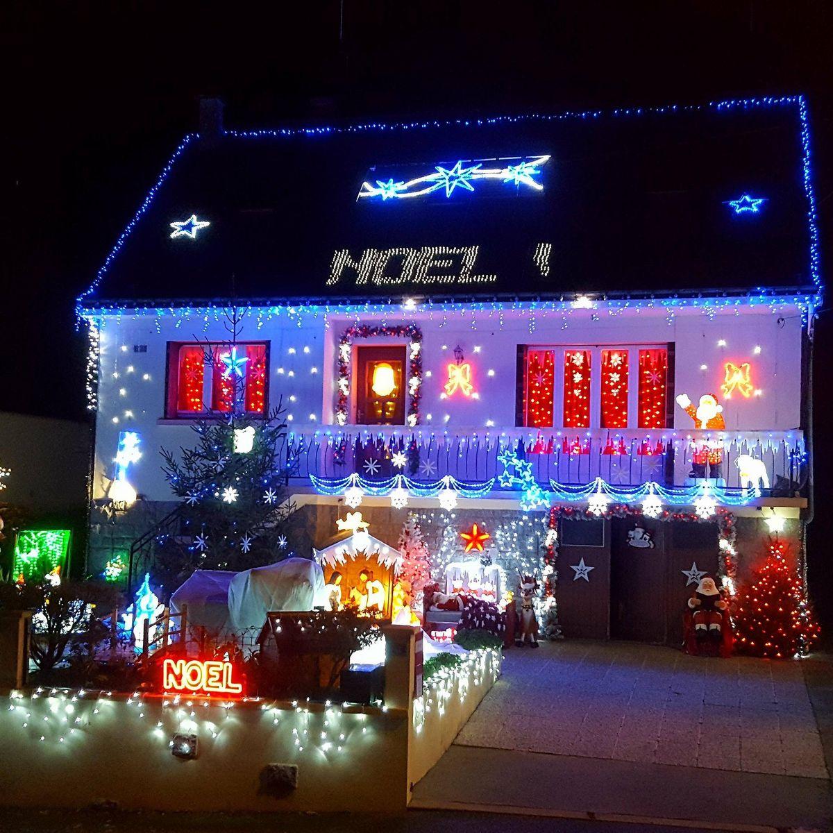 Locmalo : elle fait de sa maison un magnifique décor de Noël