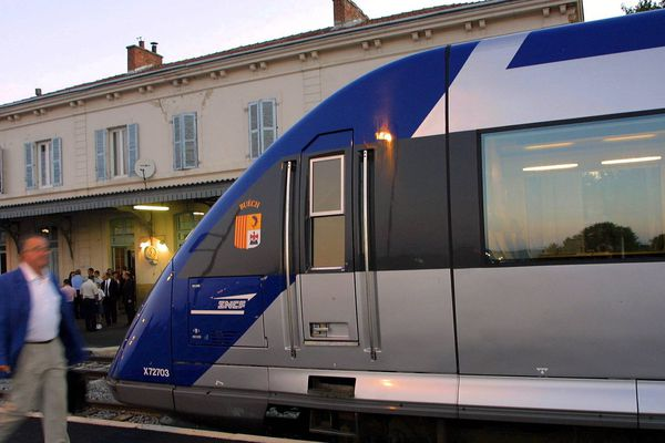 Sur la ligne SNCF Meyrargues-Pertuis