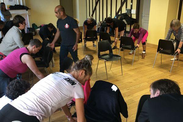 Les cours de sport permettent aux malades qui s'y retrouvent de créer de vrais liens même, en dehors des ateliers.