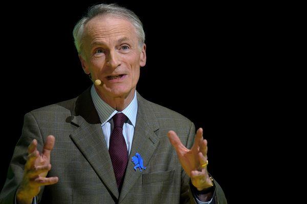 Jean-Dominique Senard, 66 ans en mars et qui devait passer la main en mai comme patron de Michelin, est pressenti pour devenir président du conseil d'administration de Renault.
