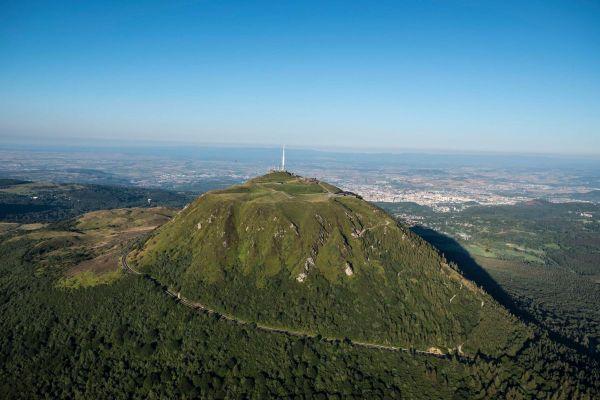 Le puy de Dôme, géant d'Auvergne au coeur de la chaîne des Puys